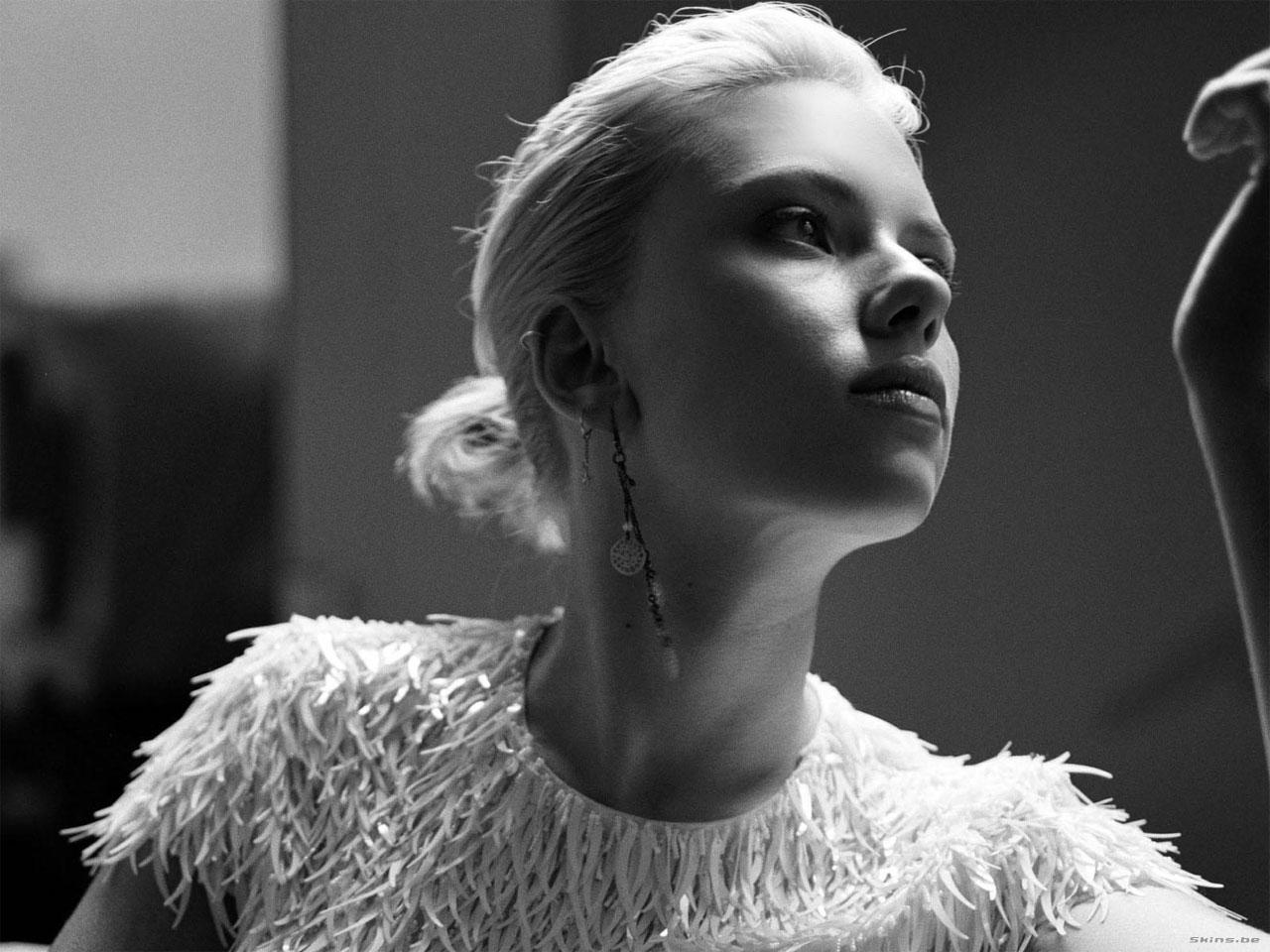 Scarlett Johansson wallpaper (#24331)