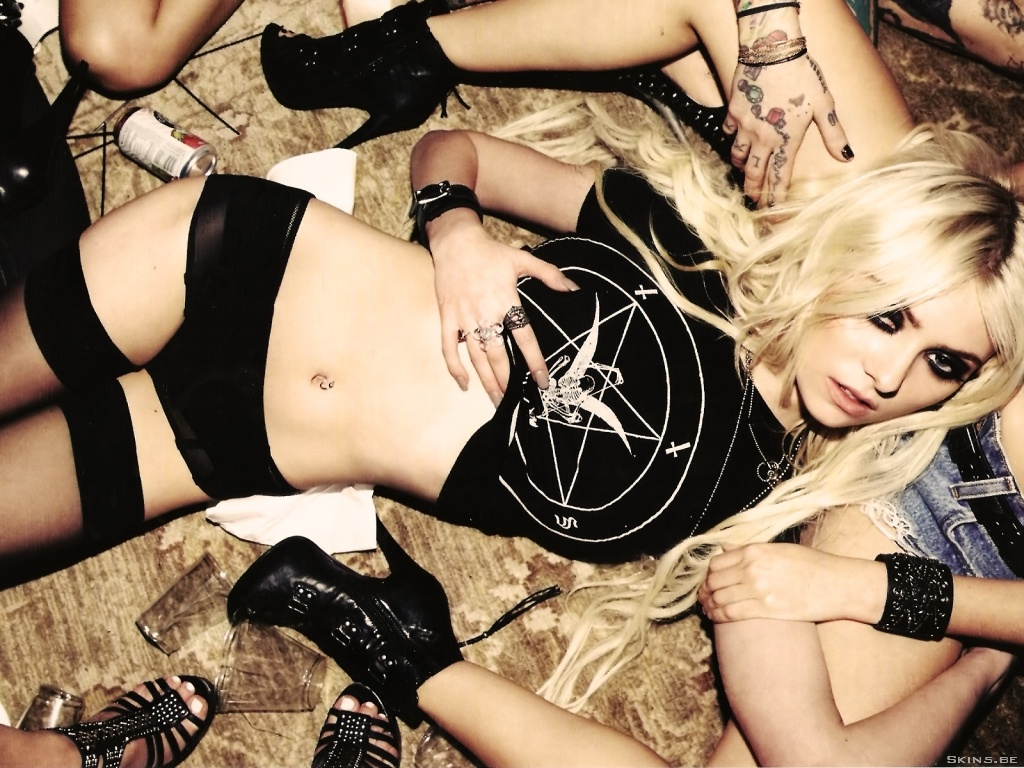 Taylor Momsen wallpaper (#40912)