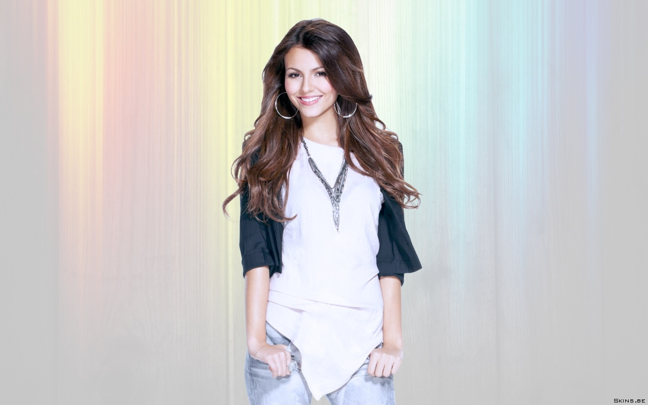 Victoria Justice Wallpapers