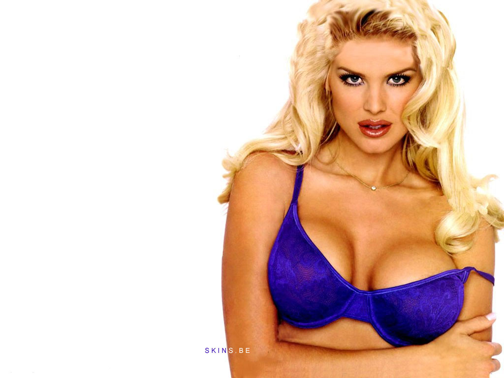 Victoria Silvstedt wallpaper (#3130)